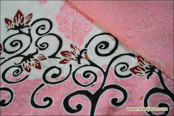 Batik Tulis Bondowoso Diproduksi Oleh Tangan Tangan Terampil