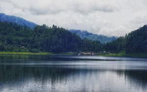 ngebel-lake